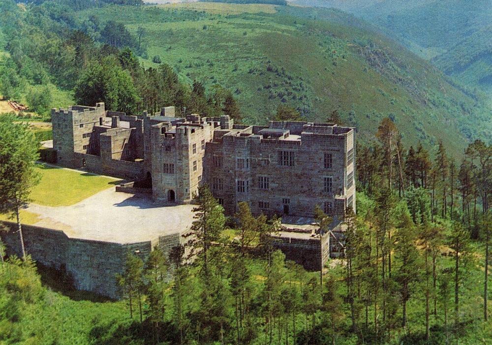 Drogo Castle, England
