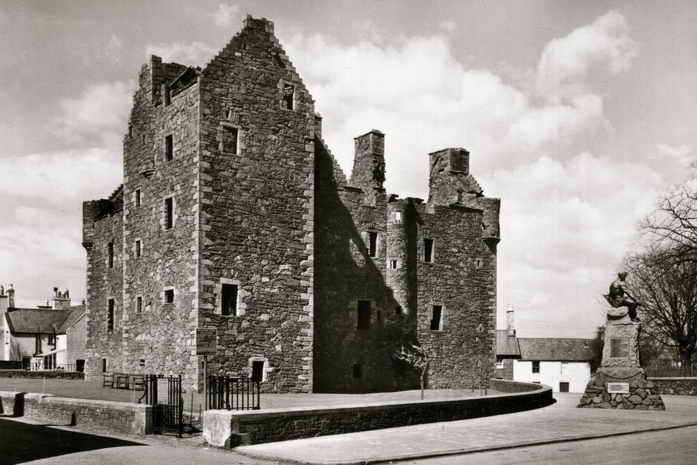 Maclellan's Castle, Scotland