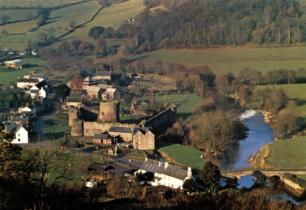 Skenfrith Castle, Wales