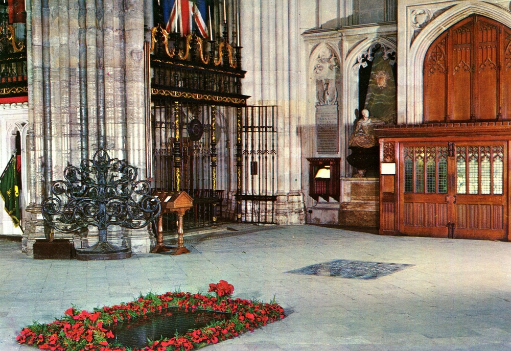 Westminster Abbey - Unknown soldier.jpg