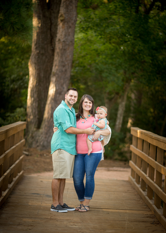 outdoor and natural light summer family photography session