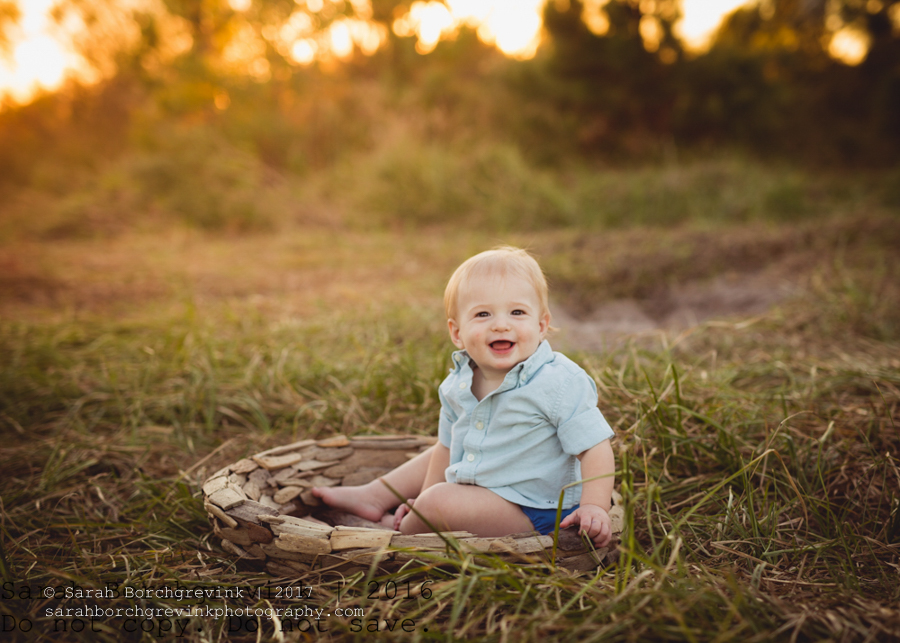 Houston TX Baby Photographer + Outdoor Nursing Session for Breck
