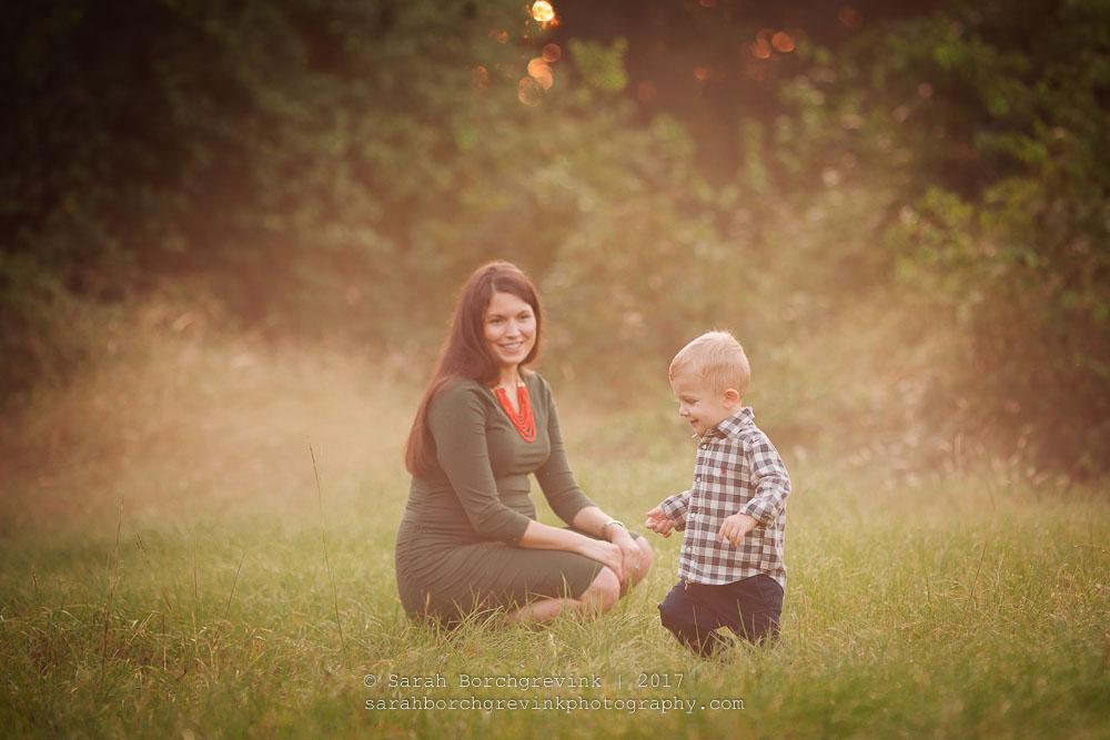 overcast maternity photoshoot
