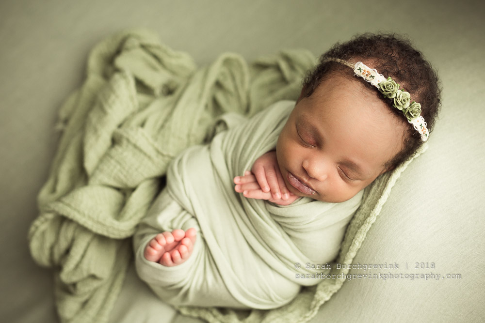 How to wrap newborn girl in tootsie wrap
