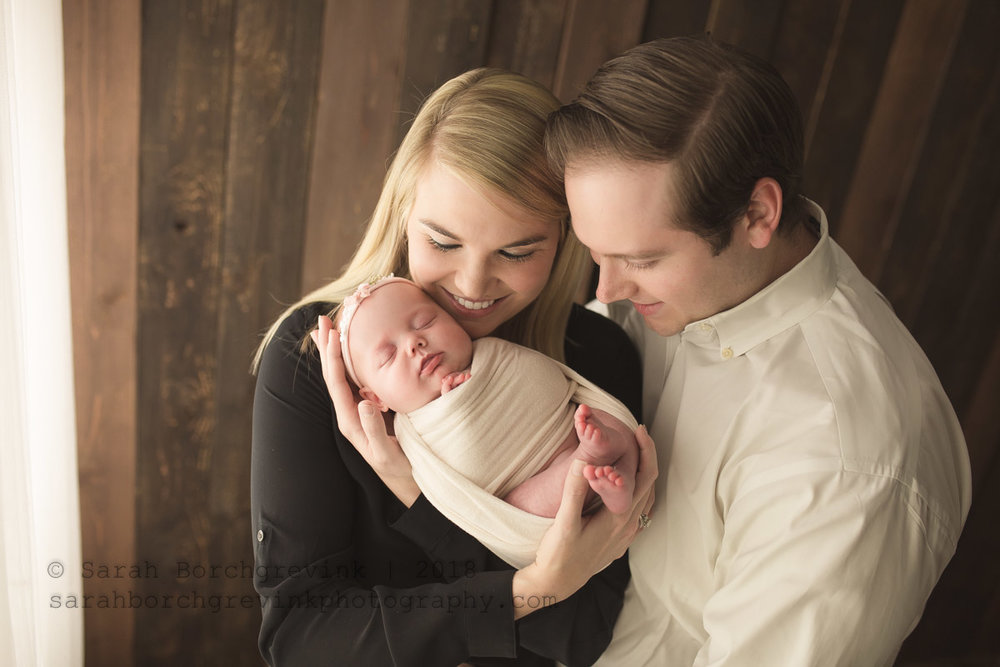 newborn photography photos with mom and dad