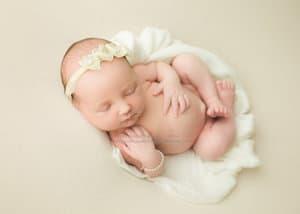 Cradle Newborn Pose