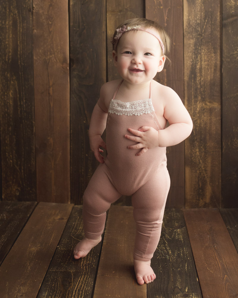 cake smash photography for baby girl