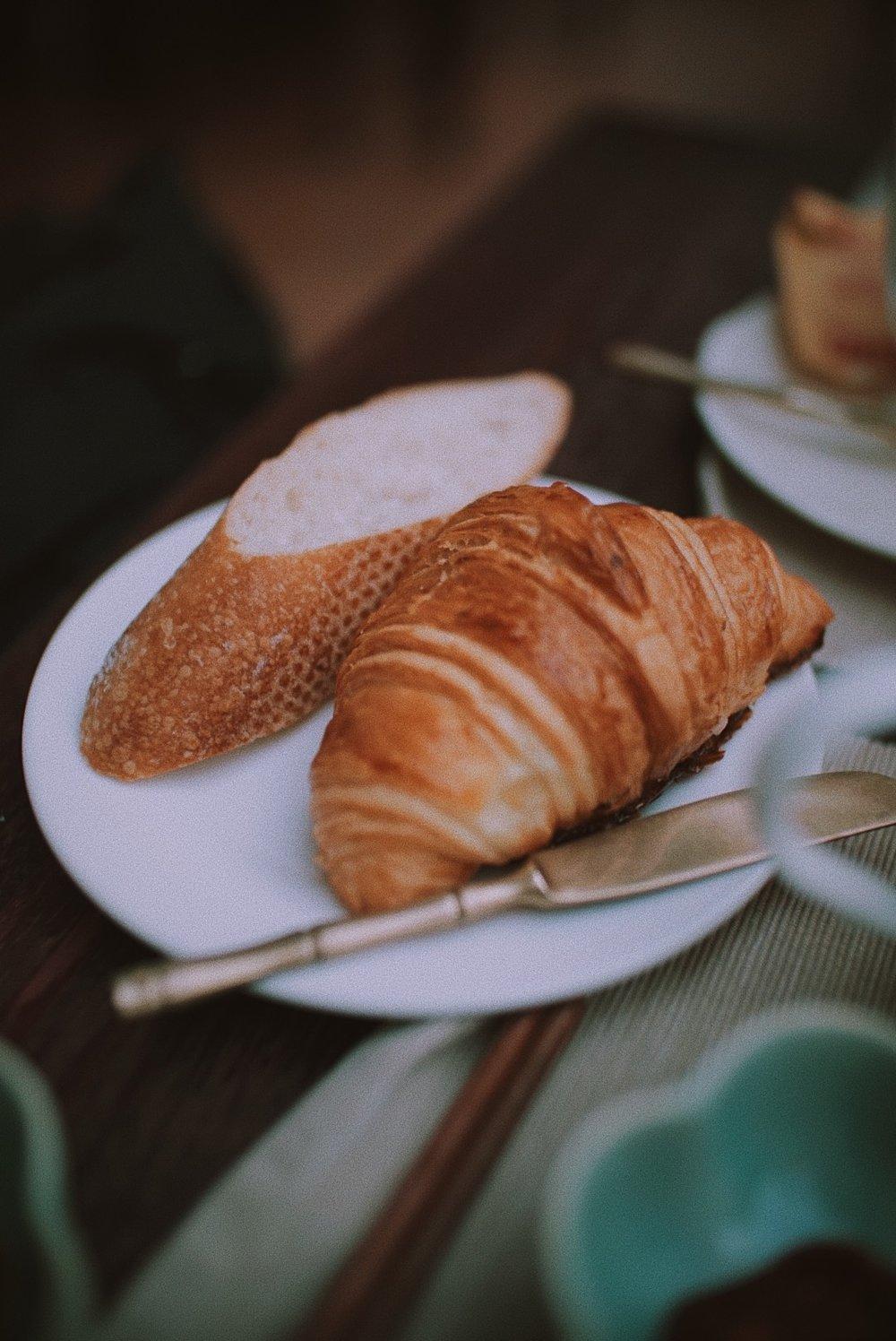 Jangan sampai nggak cobain pastry disana ya. Semua enak-enak banget, mostly French pastry.