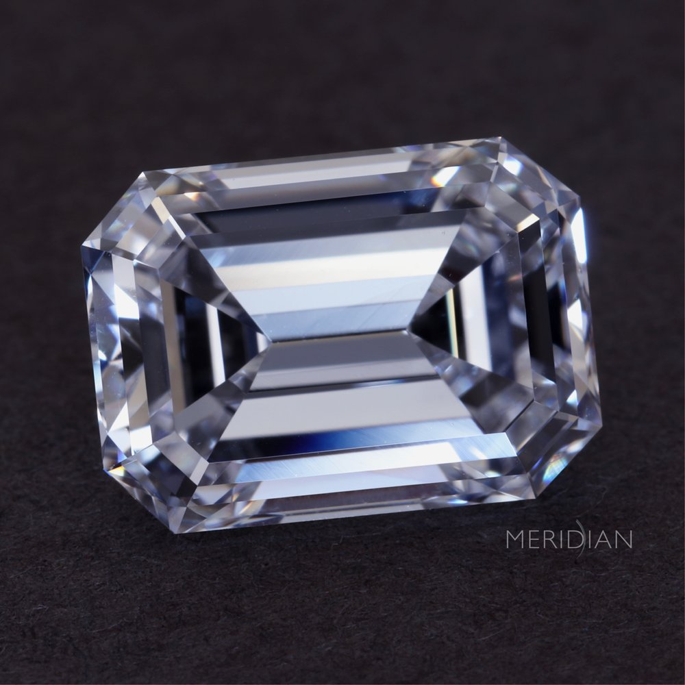 Meridian Diamond Buyers focuses on purchasing diamonds 1 carat or larger, of most colors, clarities and shapes, both loose and set in fine jewelry. -