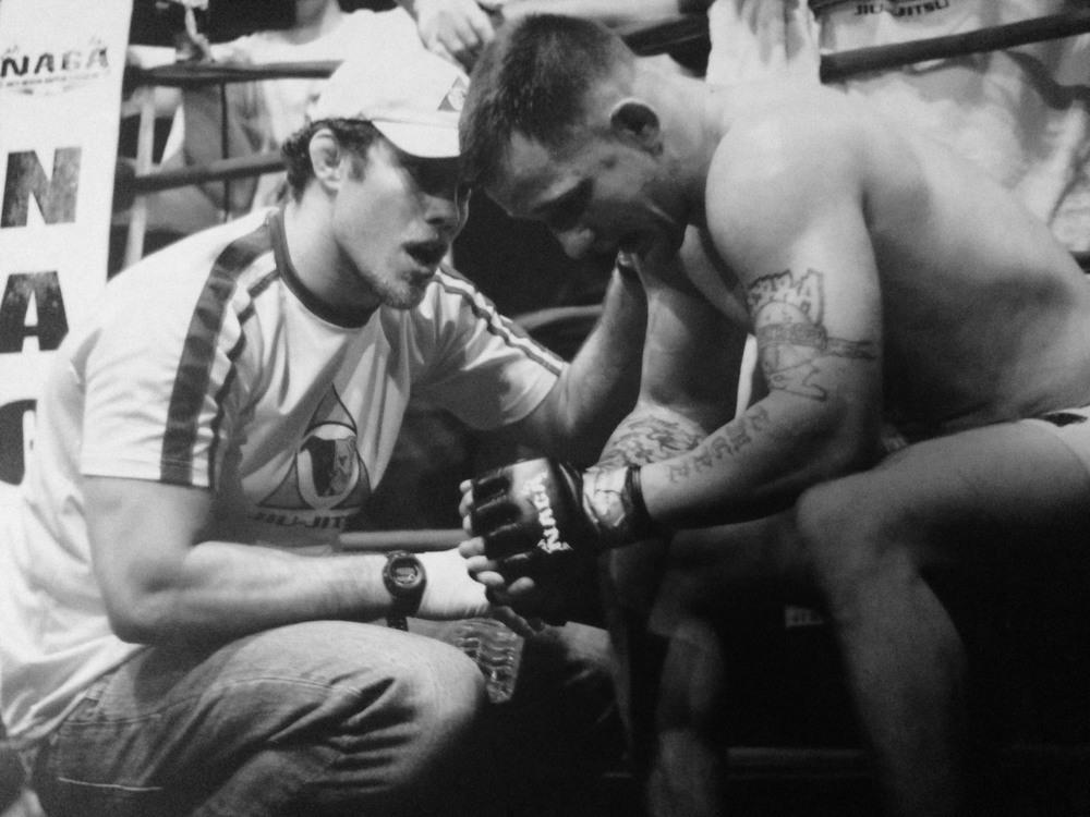 Ricardo Almeida coaching Dante Rivera.