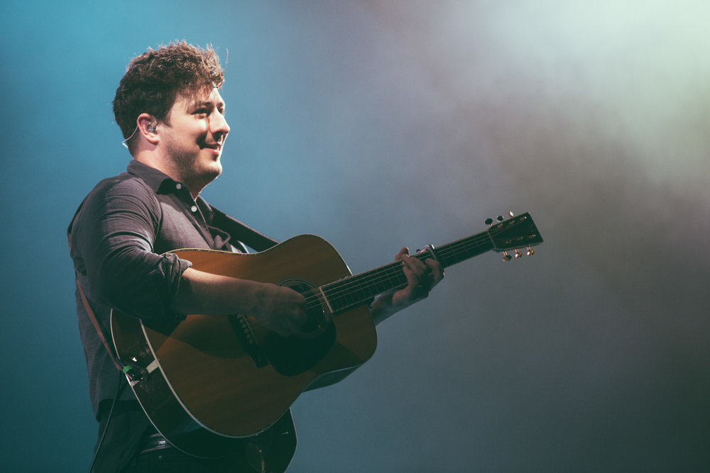 Mumford and Sons perform at Legacy Arena at The BJCC in Birmingham, Alabama on April 10th, 2016. / DSmithScenes