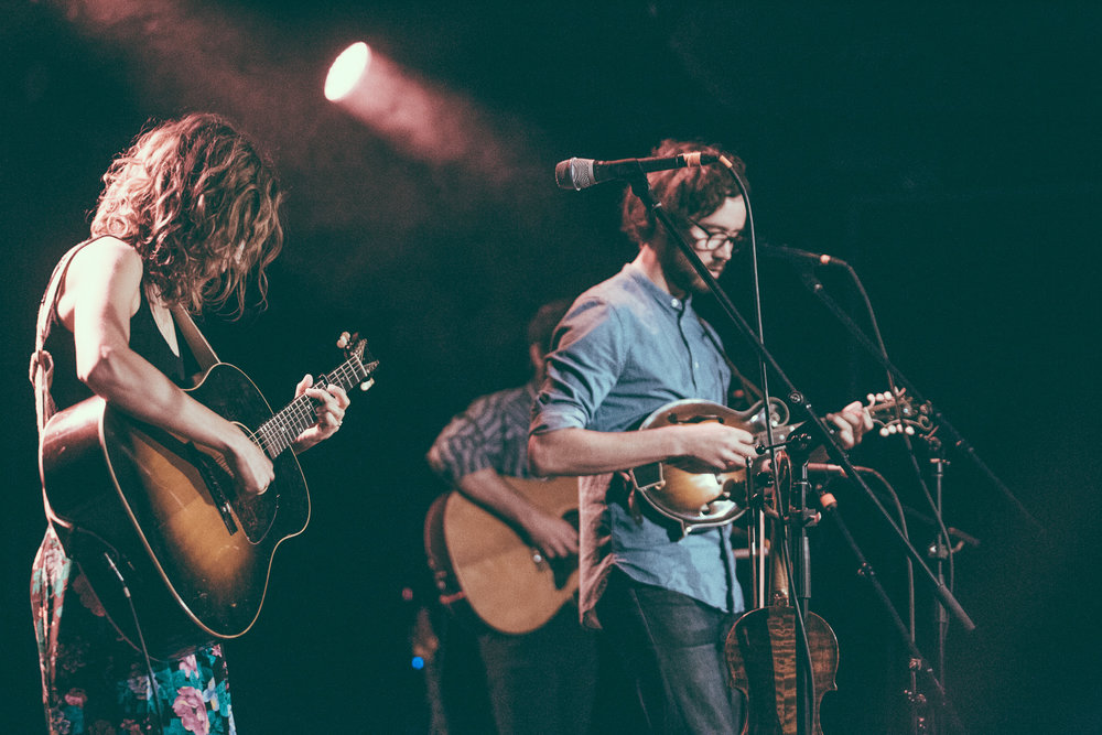 Emily Frantz and Andrew Marlin of Mandolin Orange performs at Saturn Birmingham in Birmingham, Alabama on April 25th, 2017. (Photo by David A. Smith/DSmithScenes)
