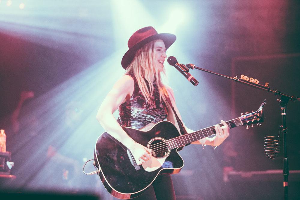 ZZ Ward performs in concert at Saturn Birmingham in Birmingham, Alabama on September 25th, 2017. (Photo by David A. Smith/DSmithScenes)