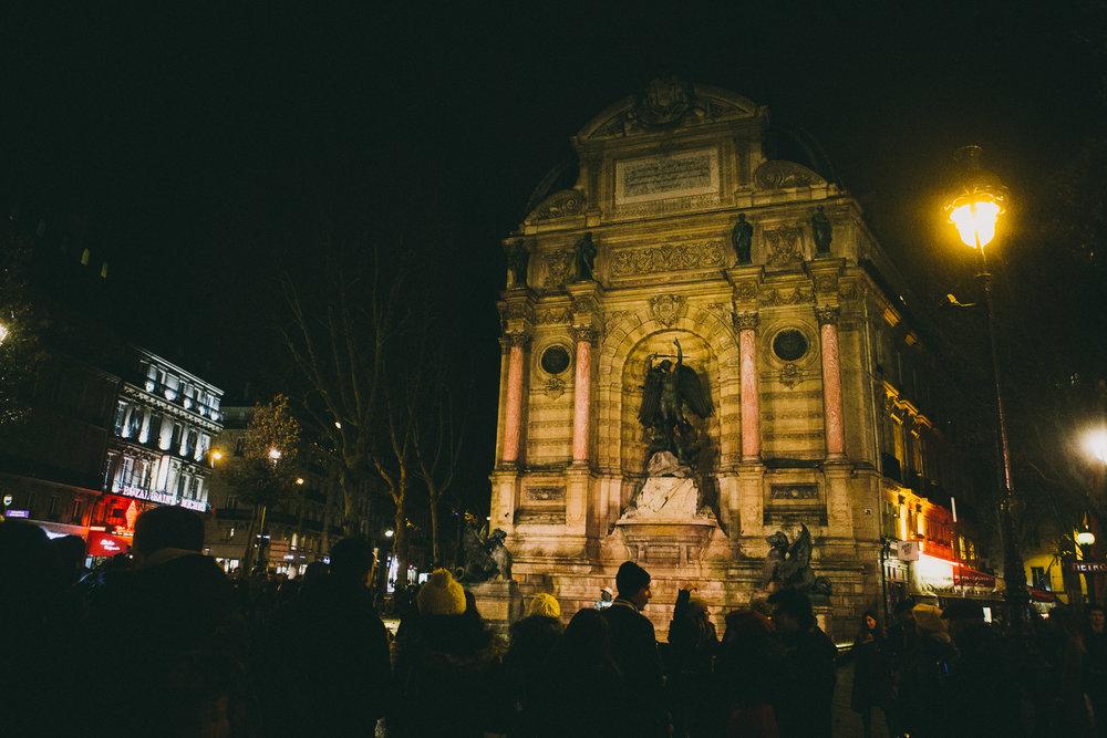 Fontaine Saint-Michael | Paris, France | December 8th, 2018 | (Photo by David A. Smith / DSmithScenes)
