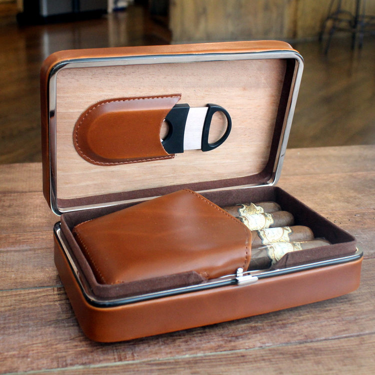 Executive Brown Leather Cigar Case With Cutter