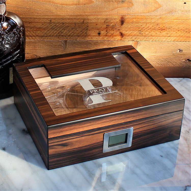 Aidan Glass Top Humidor Gift Set with Cutter and Ashtray - Groomsmen Gift for Men, Birthday Gift, Gifts For Him, Dad DSV