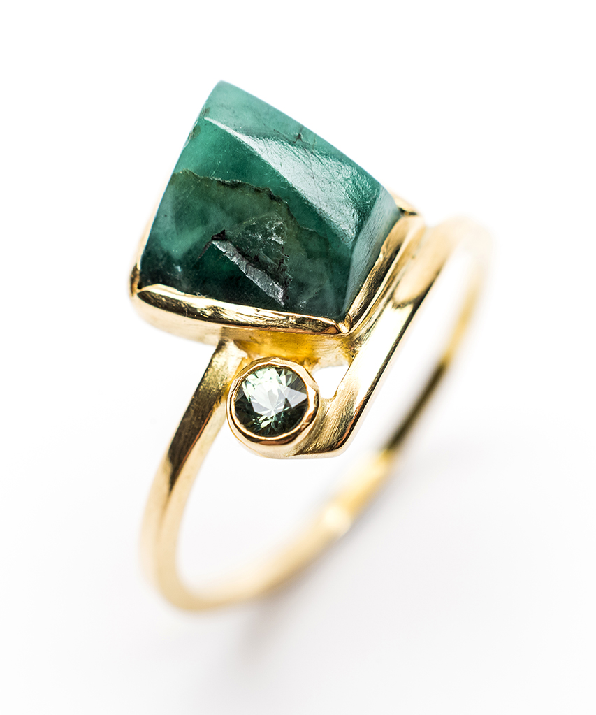 Lorraine-Gibby-jewellery-ring-18ct-gold-rough-emerald-sapphire-mettle-studios (2).jpg