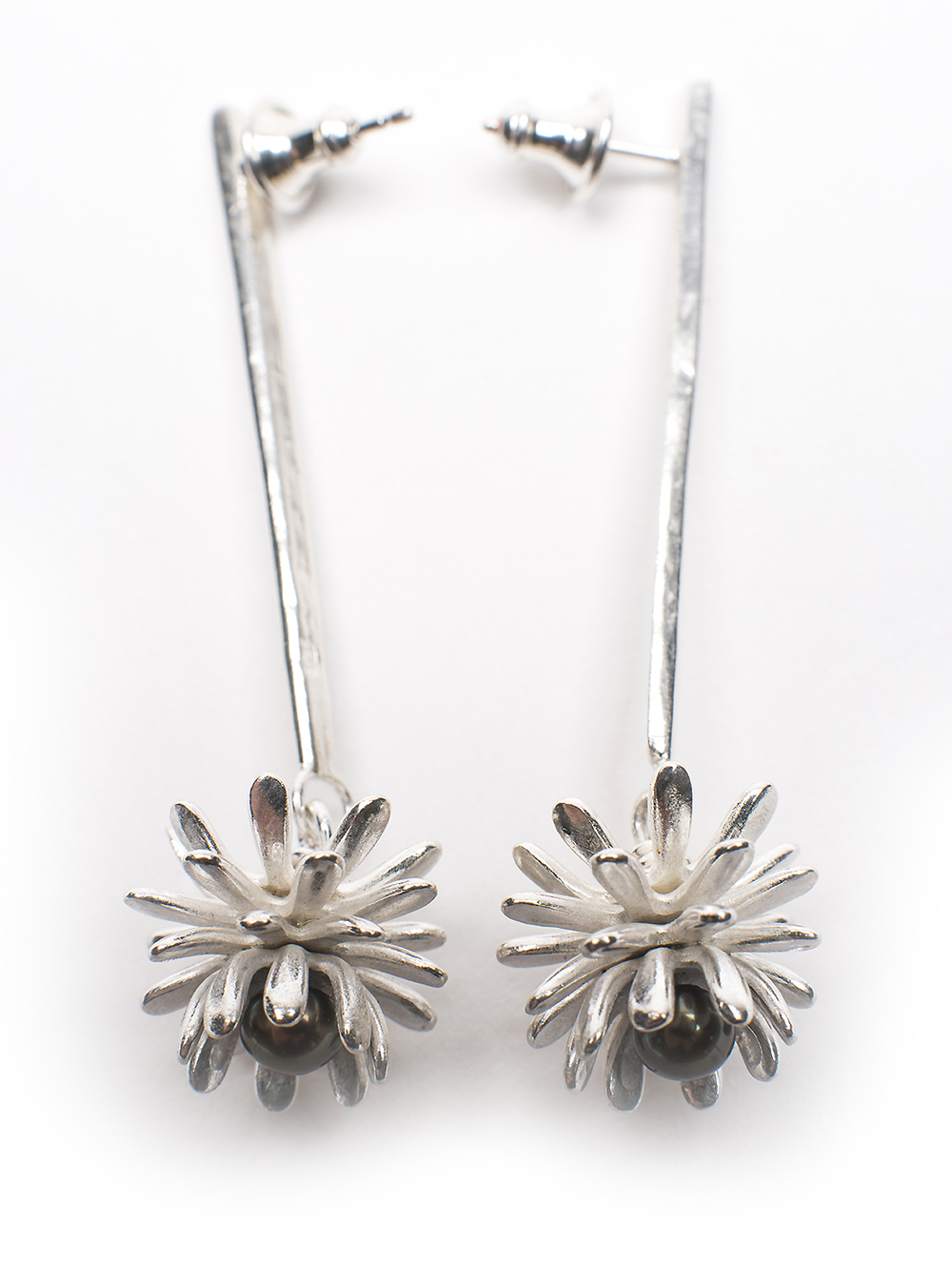 Lorraine-Gibby-jewellery-silver-pearls-aeoleum-cactus-earrings-ring-mettle-studios (4).jpg