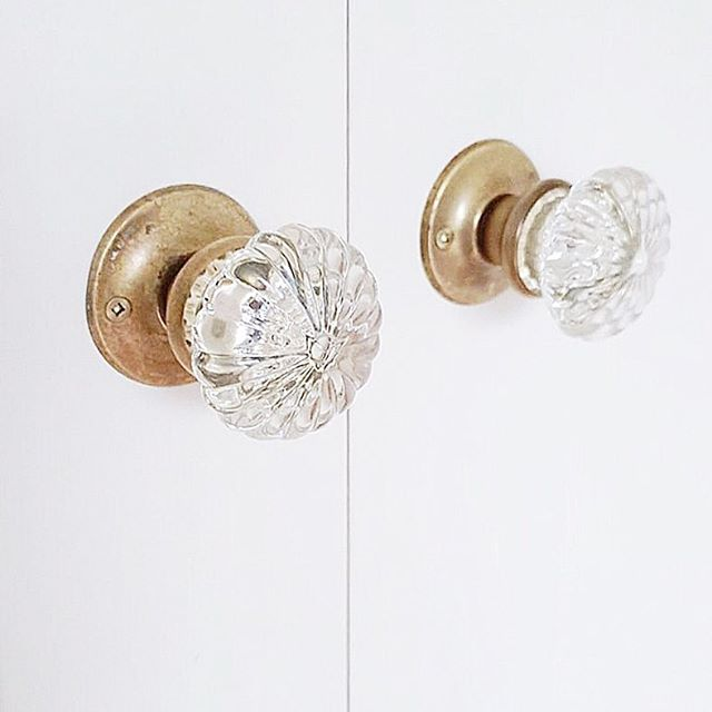Oh the details! These vintage crystal door knobs are looking sharp in our 5th Ave renovation project! . . . . . . #interiordesign #accentrixdesign #vintage #vintagedetails #renovations #antiquedoorknobs #crystaldoorknobs  #interiordetails #luxuryinteriors #designdetails #burnabydesigners #condorenovations #condoliving #vancouverdesigners #yvrdesign  #doordetails #homedesign #fullserviceinteriordesigners  #heritage #vancouverinteriors #designideas #interiors  #homedecor #homedesign #decoration #housetour #interiordecor #lovelyinterior  #transitionalstyle #luxuryhomes #decor #homedecor #designideas