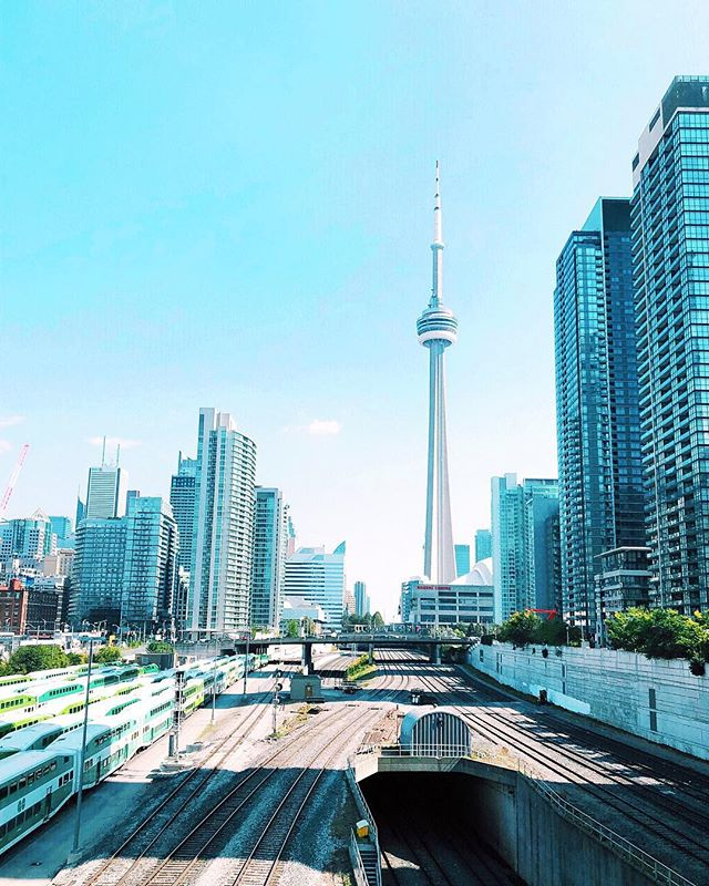 👋🏻 Farewell Toronto. Until next time! . . . . . . #toronto #designawards #internationalpropertyawards #travel #worktrip #backintheofficemonday #farewell #accentrixdesign