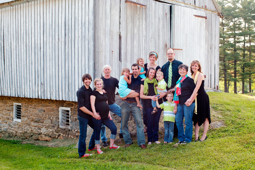 43-Generational-Family-Portrait-Barn-Ken-Bruggeman-Photography-Family-Portraits-York-PA.jpg
