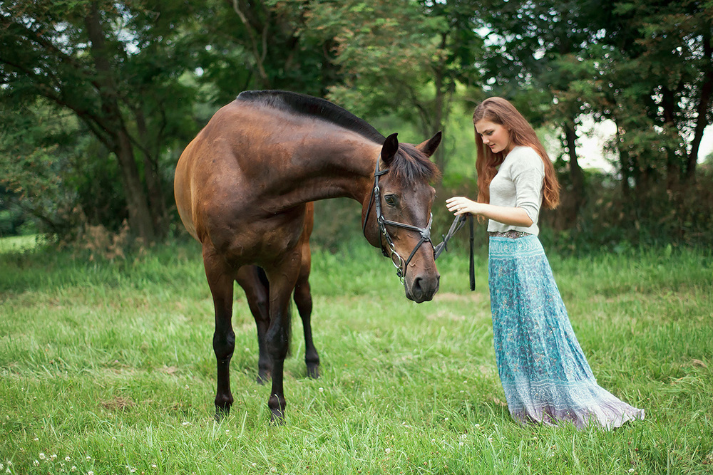 1-Senior_Portrait_Photography_York_PA_Ken_Bruggeman_Woman_Blue_Dress_Horse.jpg