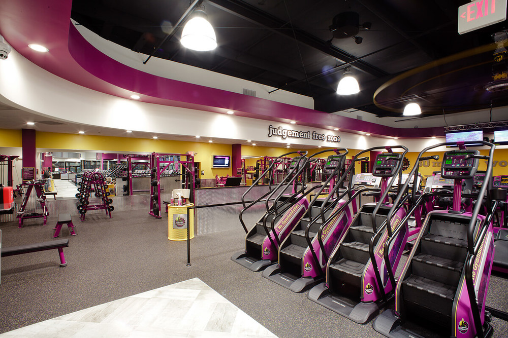 9-Planet-Fitness-Commercial-Photography-York-PA-Ken-Bruggeman-Curved-Ceiling-Detail-No-Judgement-Zone.jpg