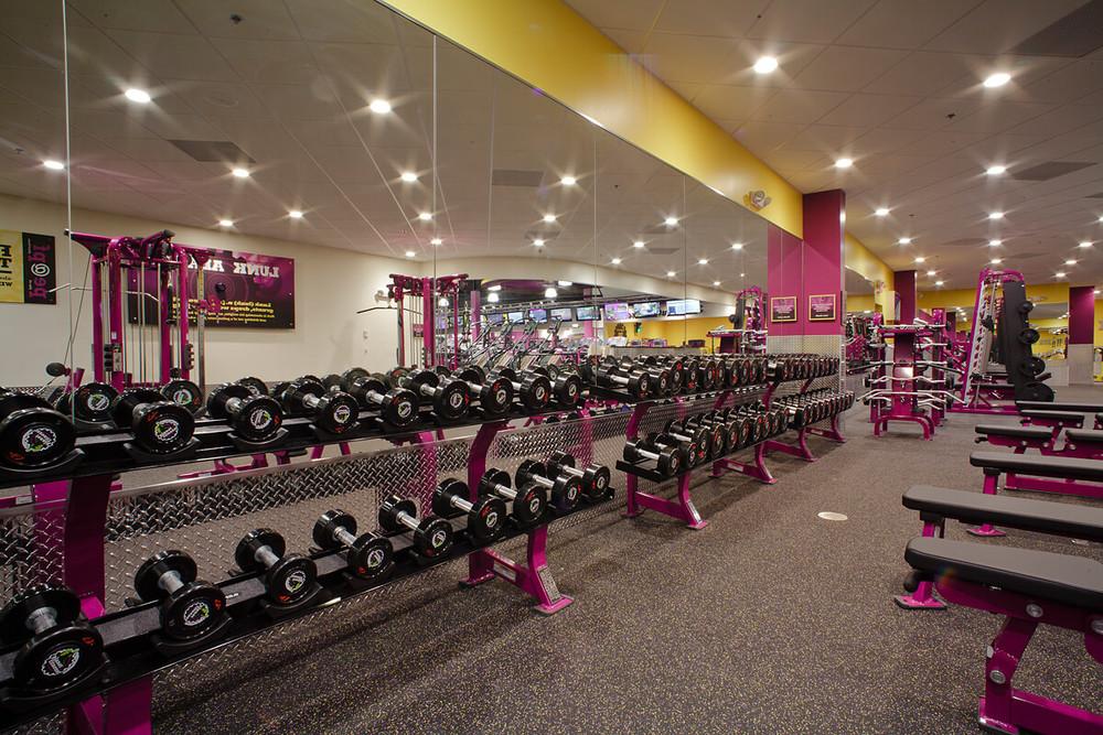 11-Planet-Fitness-Commercial-Photography-York-PA-Ken-Bruggeman-Free-Weight-Rack.jpg
