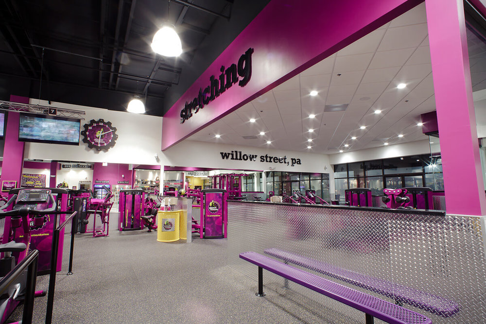 18-Planet-Fitness-Commercial-Photography-York-PA-Ken-Bruggeman-Stretching-Area-Willow-Street.jpg