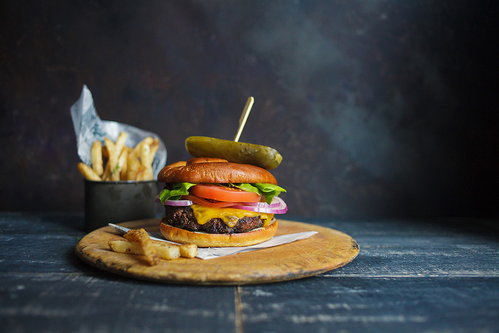 Hilton_Hotel_Harrisburg_Food_Photography_Menu_Ken_Bruggeman_Cheeseburger_1.jpg