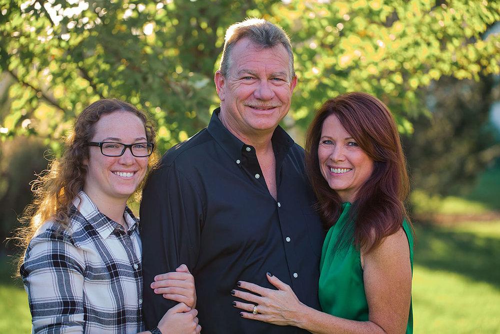 1-Family-Portrait-Photographer-York-PA-Ken-Bruggeman-Family-Smiling-Sunlight-Backlit.jpg