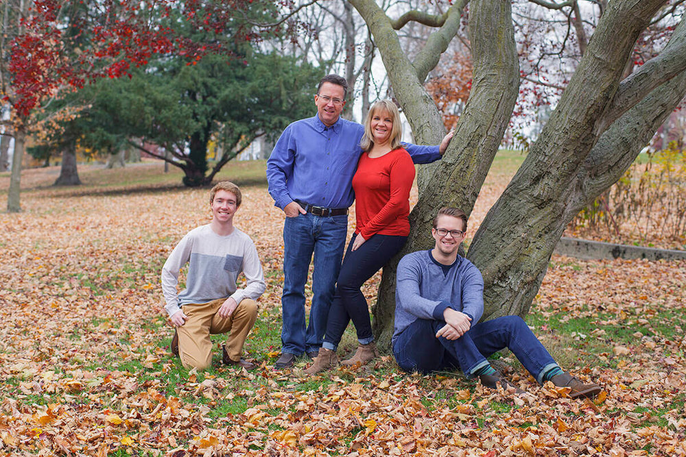 7-Photographer-York-PA-Ken-Bruggeman-Family-Portraits-Standing-Twisted-Red-Mapel-Tree.jpg