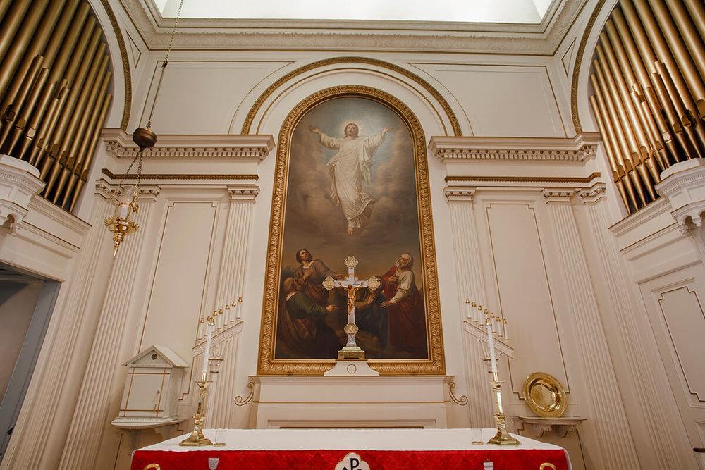 3-Ken-Bruggeman-Photography-York-PA-Commercial-Photographer-Architecture-Church-Christ-Lutheran-Alter-Cross-Painting.jpg