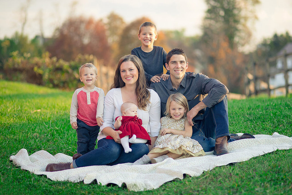 1-Family-Photographer-York-PA-Ken-Bruggeman-Photography-Phillips-Family-Portraits-Colorful-Sitting-Blanket.jpg