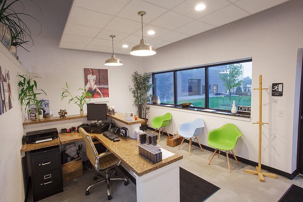 2-Commercial-Architectural-Photographer-York-PA-Ken-Bruggeman-Photography-Evolve-Salon-Front-Desk-Entrance.jpg