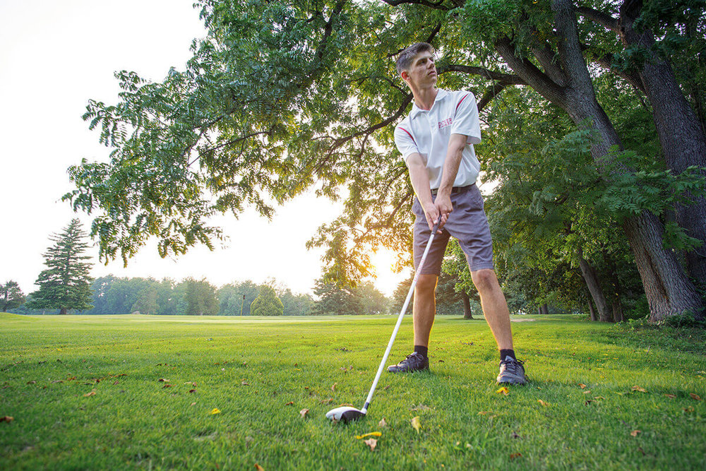 1-Senior-Portrait-Photographer-York-PA-Ken-Bruggeman-Photography-Dover-School-Young-Man-Posed-Golf-Club-Swing-Stance.jpg