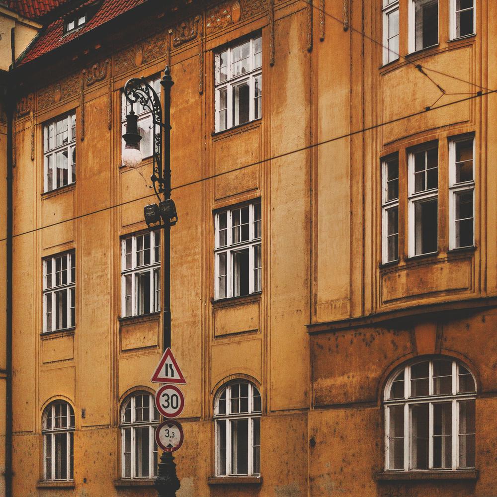 prague-houses (1).jpg