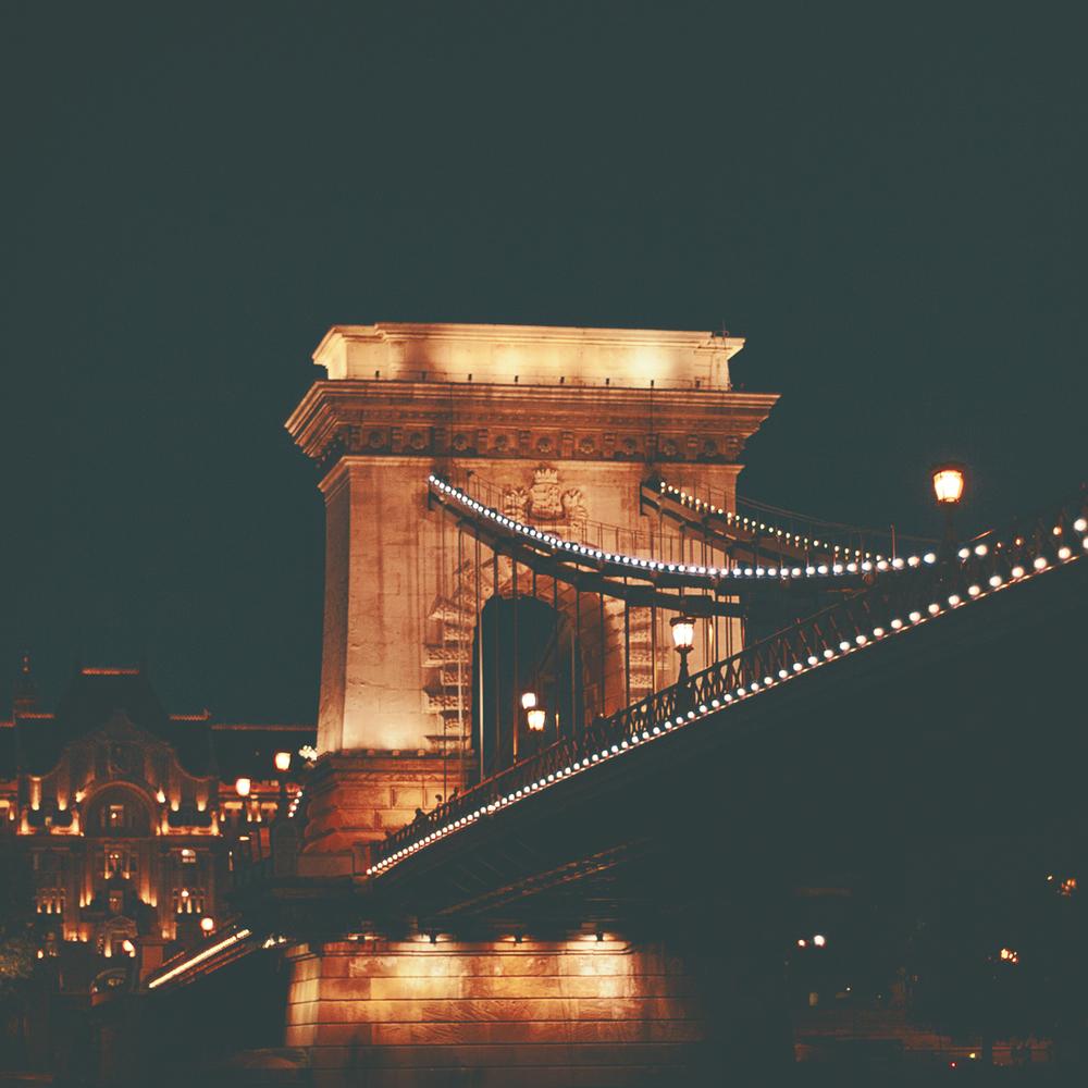 budapest-bridge.jpg