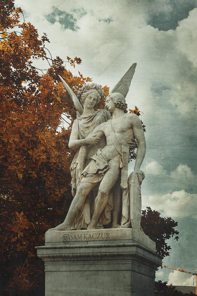 berlin-statue4.jpg