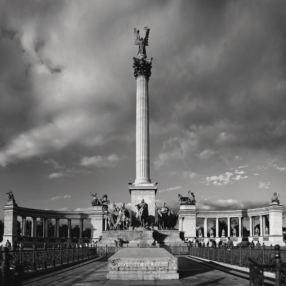 budapest-herossquare.jpg