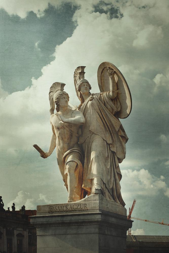 berlin-statue2.jpg