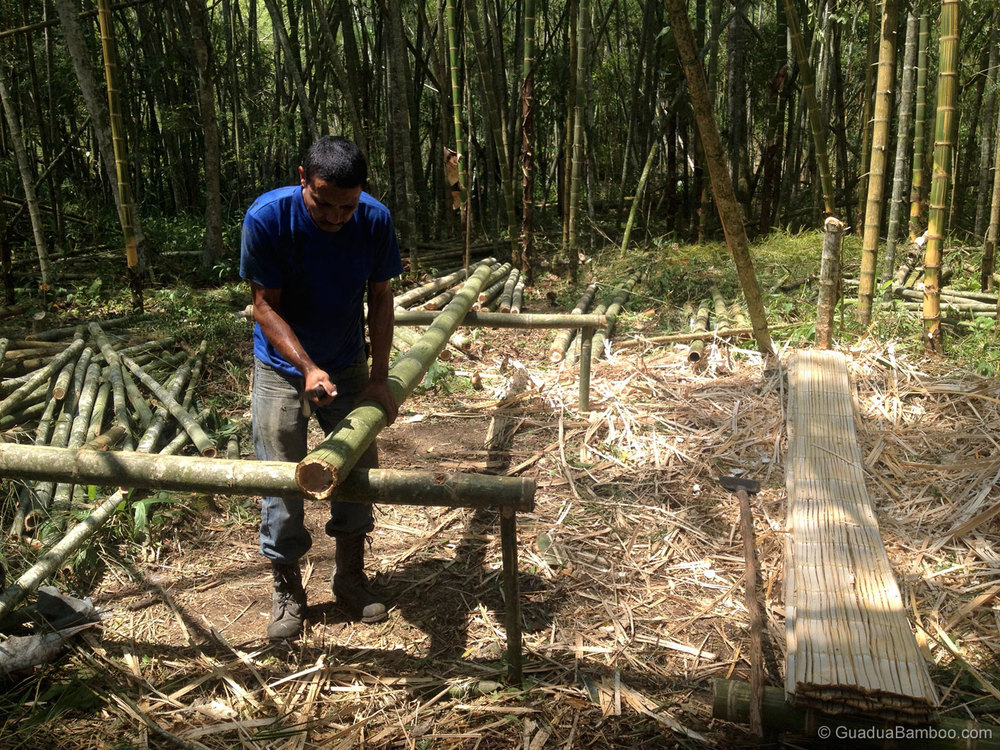 Making crushed bamboo mats
