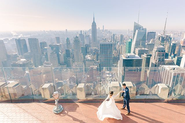 This past week we had the privilege of filming the sweetest city #elopement in New York for @shannonpatikamanant and @rogerrogerover. We never turn down an opportunity to shoot along side the talented @charissamagno, and couldn't help but share some of her amazing shots of the couple! I mean, how gorgeous are these?!