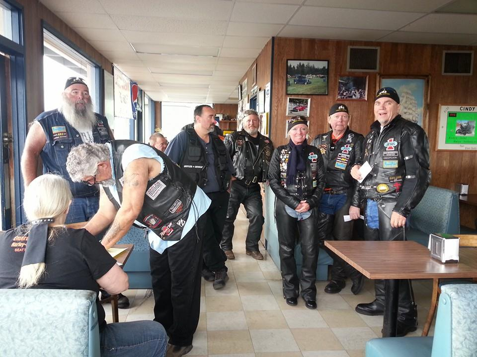SKMM members signing in at the Sub Shop in Longview, WA.