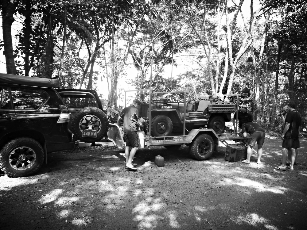 Now in the Daintree and the bitumen behind us it was time to unload the Maxtrax WWII Jeep