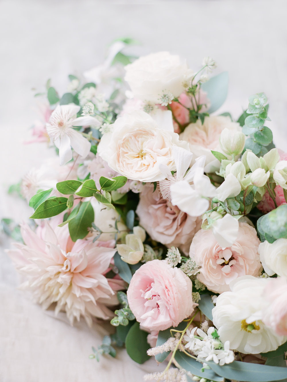 whiteandblushbouquet.jpg