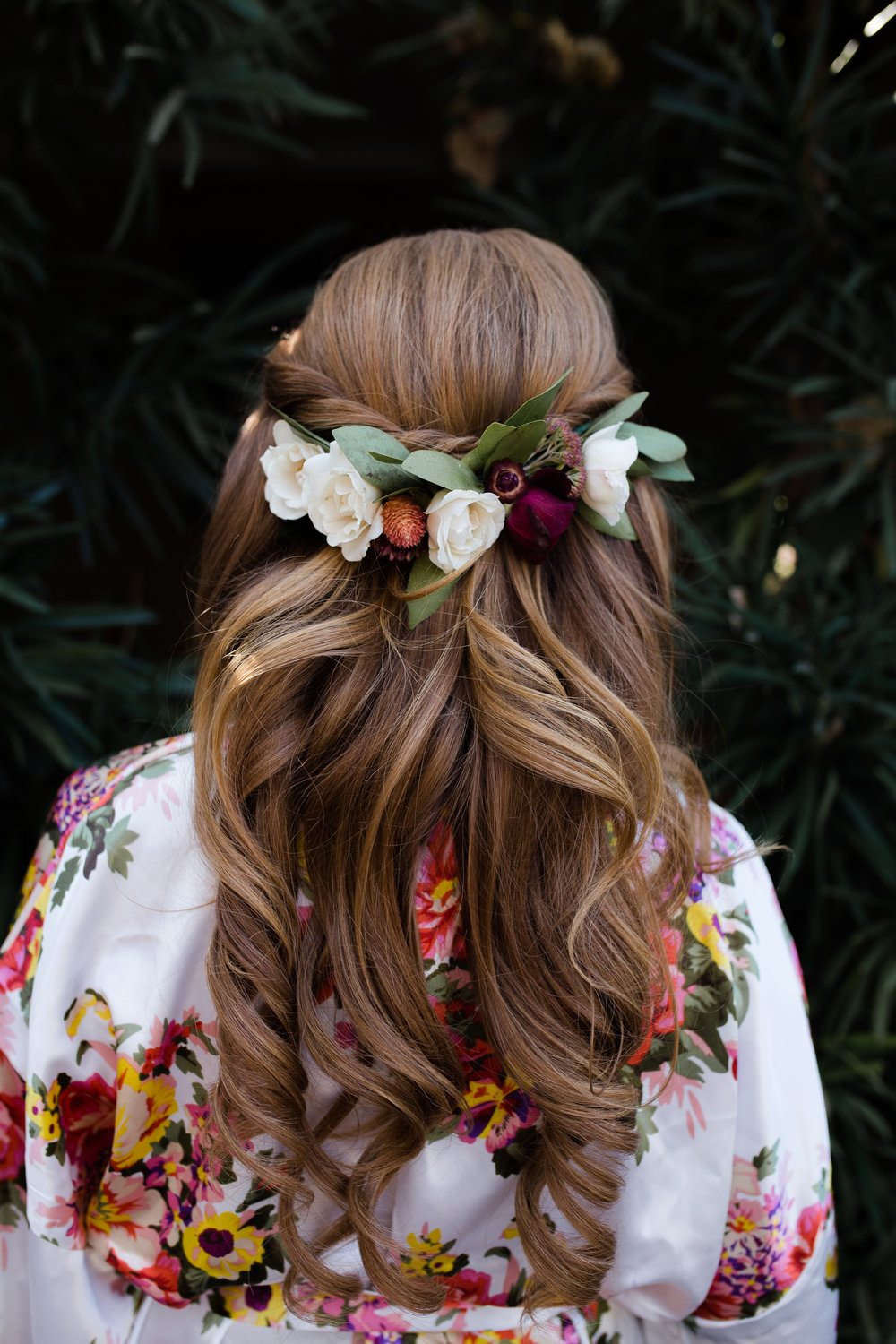 Bridalhairflowers.jpg