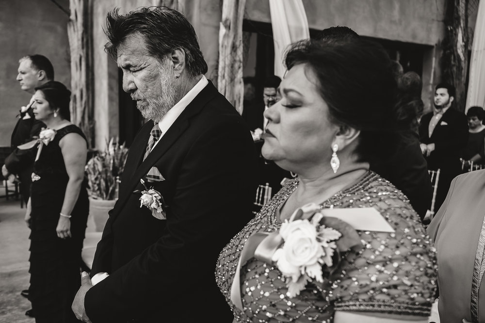 v_a_wedding_bw-22.jpg
