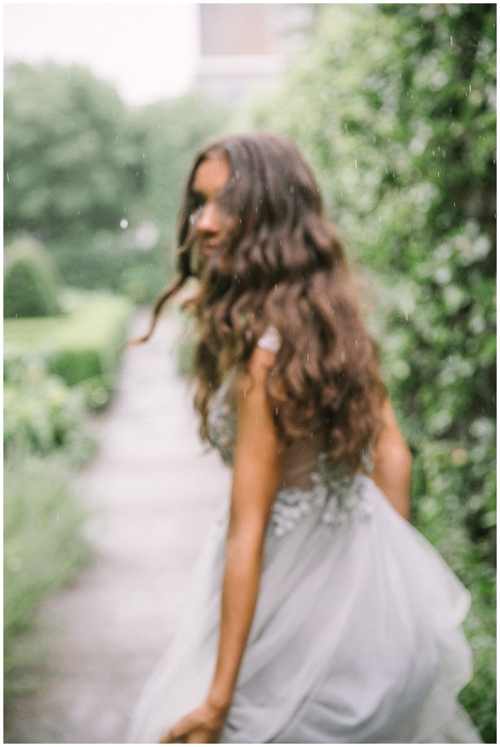Ellen-Ashton-Photography-Dallas-Wedding-Photographers-Destination-Wedding-Photographer-Paris-Wedding-Photographer-Magnolia-Rouge-Grit-and-Gold-Weddings-and-Events-Destination-Bridal-Session-Montreal-Canada-Montreal-Wedding-Photographer-Cheteau-Ramezay-Wedding