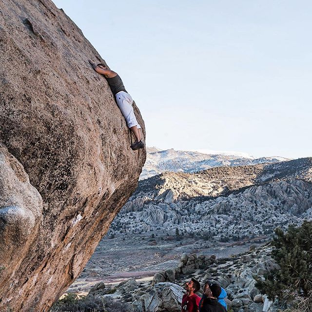 """The feeling you get when you finally hit those jugs. Maria Sandbu (@mdsandbu) topping out """"Finder's Fee (V9)"""" - Pollen Grains, Bishop, CA. Happy Thanksgiving, everyone. Enjoy those temps in Bishop ❄️"""